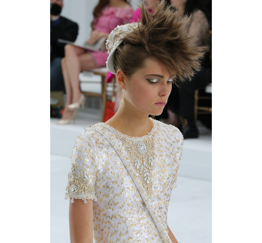 Les cheveux de chanel the e approach for Chanel haute couture 2015