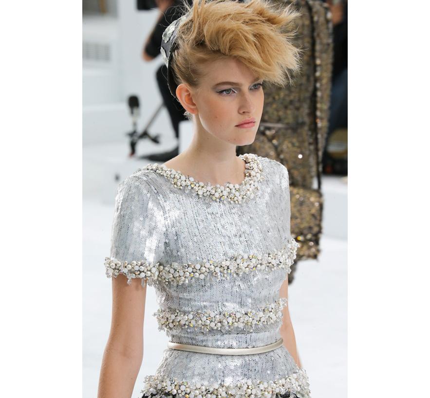 Les cheveux de chanel the e approach for Fil de couture