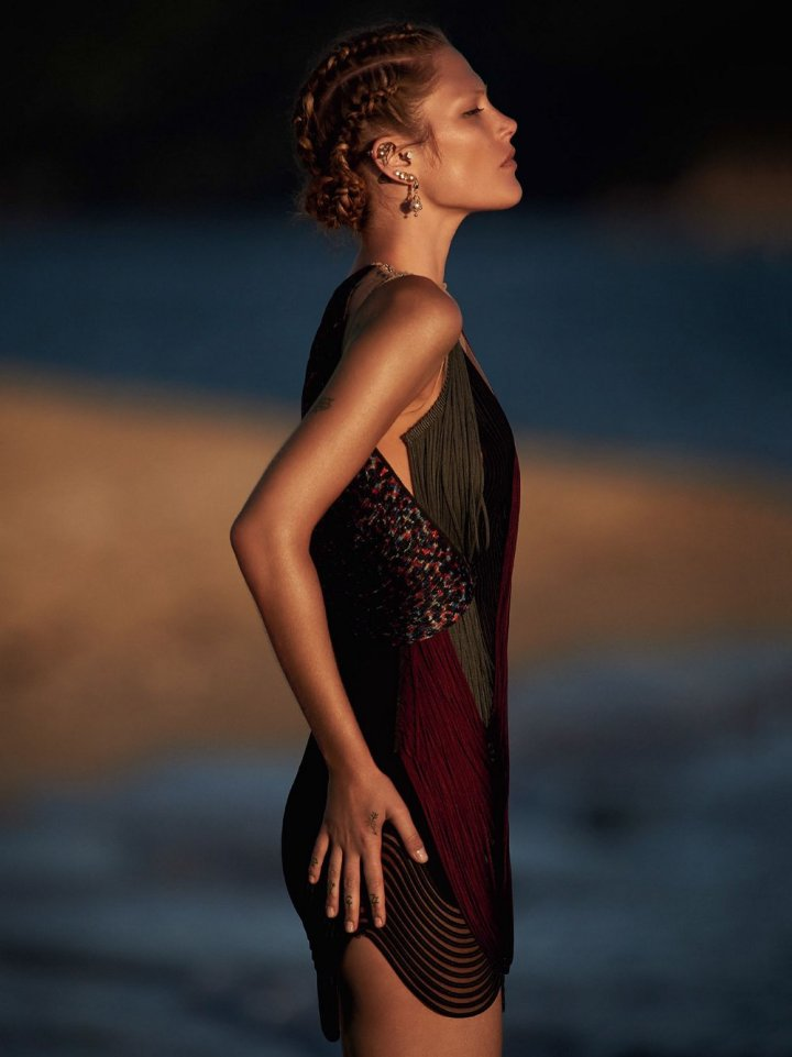Catherine-McNeil-by-Gilles-Bensimon-for-Vogue-Australia-October-2014-9