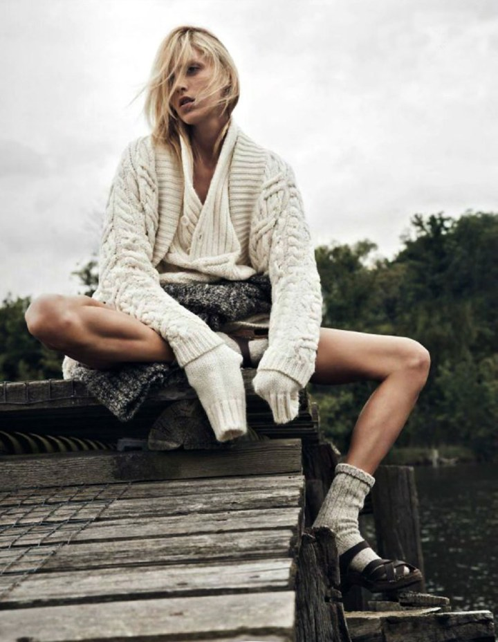 Anja-Rubik-Vogue-Paris-Lachlan-Bailey-Geraldine-Saglio-Oracle-Fox.51