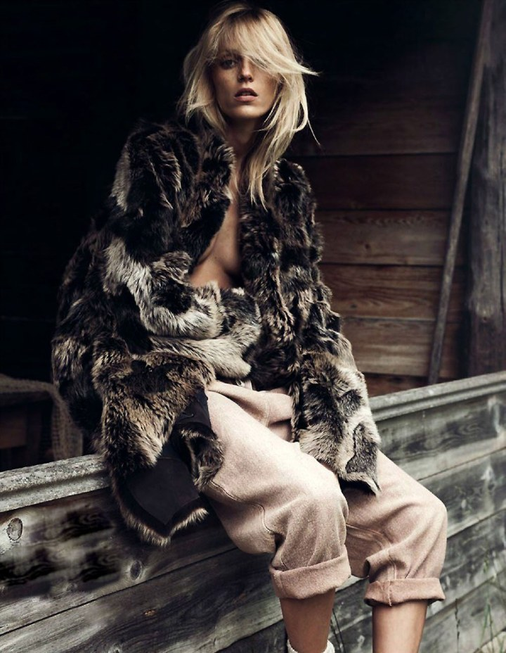 Anja-Rubik-Vogue-Paris-Lachlan-Bailey-Geraldine-Saglio-Oracle-Fox.61