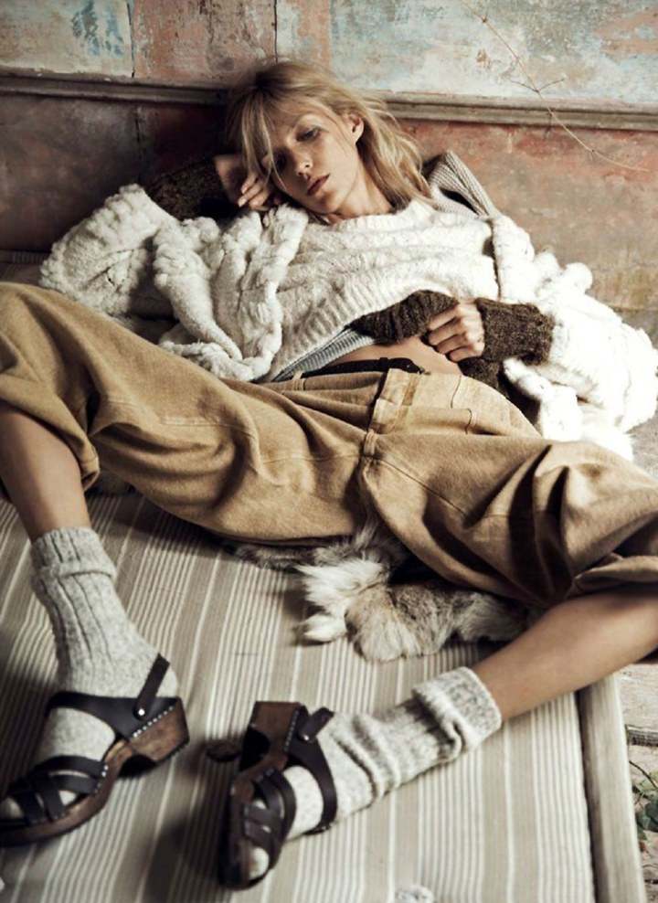 Anja-Rubik-Vogue-Paris-Lachlan-Bailey-Geraldine-Saglio-Oracle-Fox.8